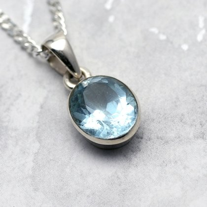 Blue Topaz & Silver Pendant - Faceted Oval 13mm