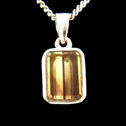Green Gold Phantom Quartz & Silver Pendant - 15mm